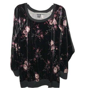 Torrid Crushed Velvet Black Floral Pullover Plus S